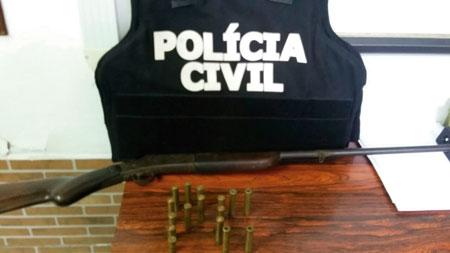 Polícia Civil apreende espingarda e cartuchos em Mariana Pimentel