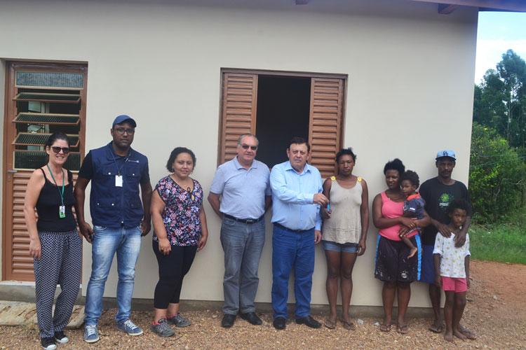 Projeto entrega casas na Chácara Velha e na Bandeirinha