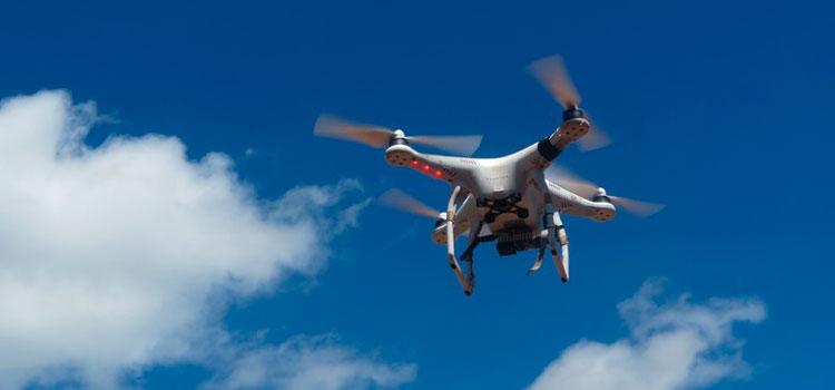 Prefeitura de Arambaré fiscaliza imóveis com o uso de drone