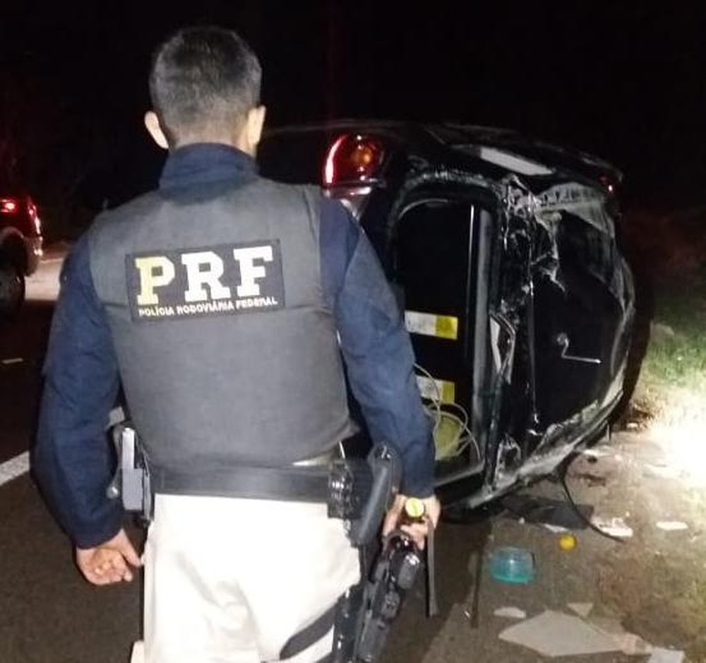 Homem e duas crianças morrem em acidente na BR-290, em Eldorado do Sul