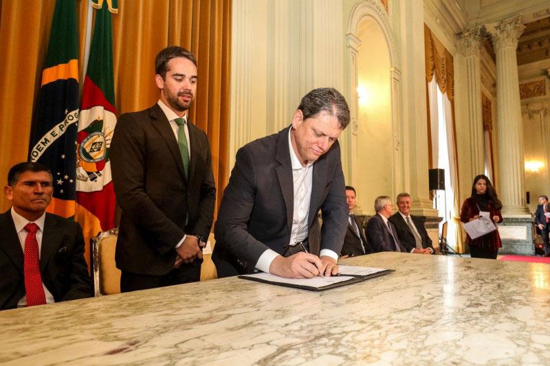 União assina contrato de concessão de rodovias federais gaúchas