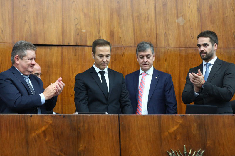 """Governo diz que """"Solução contra a crise nas finanças depende de apoio da Assembleia"""""""