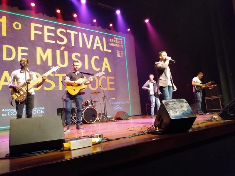 1º Festival ACOSTADOCE de Música, sucesso total