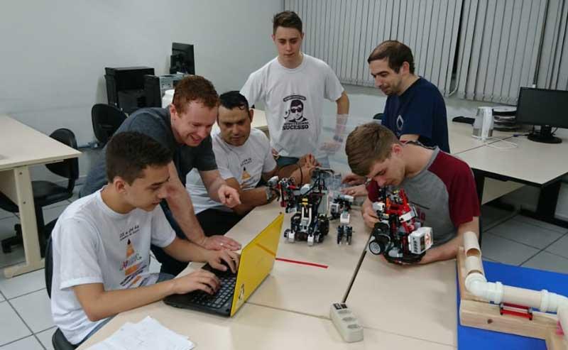 Estudantes do IFSul Camaquã estão participando do Robótica 2019