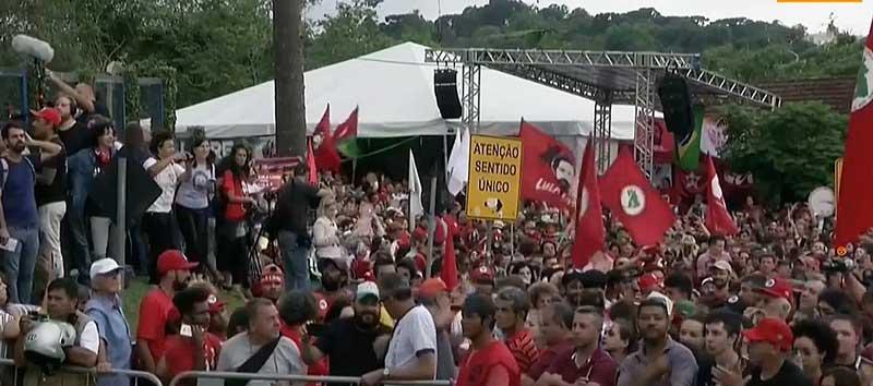 Justiça determina soltura de Lula