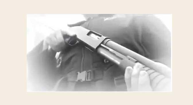 Agente de segurança atira contra o próprio pé