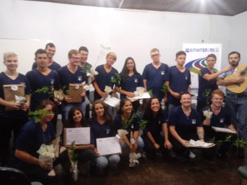 Jovens de Barão do Triunfo e Camaquã concluem curso de Empreendedorismo e Desenvolvimento